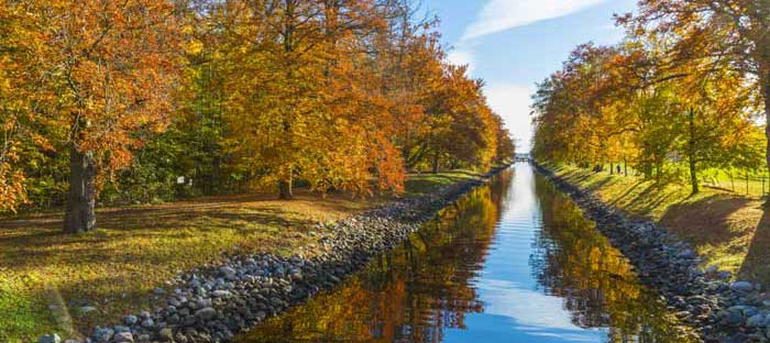 Fall is a wonderful time to enjoy shopping, dining, and the wonderful sights in Montgomery County, PA